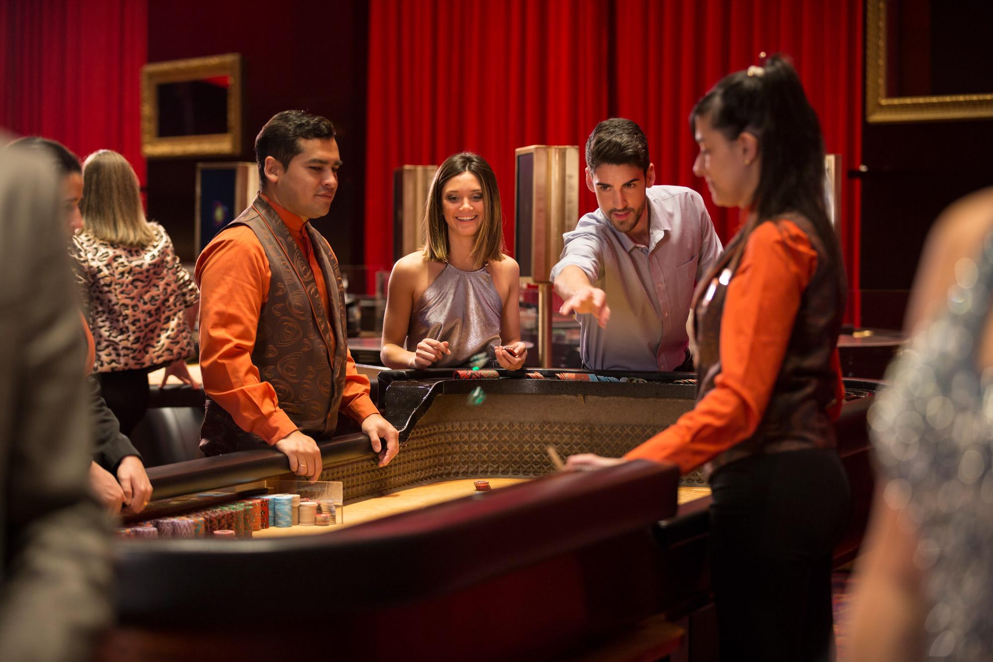 Casino de la reina solicitar sala